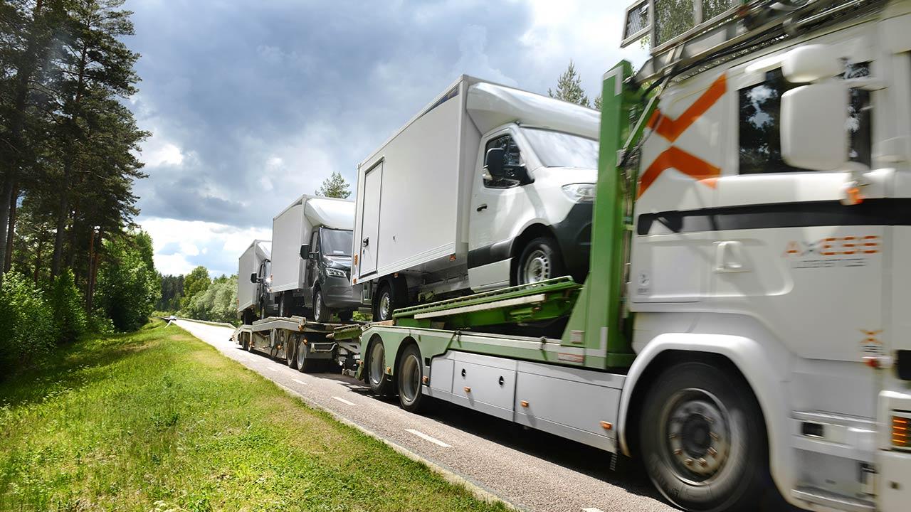 På Ydre Skåp levererar vi färdigbyggda fordon till kunder i hela landet